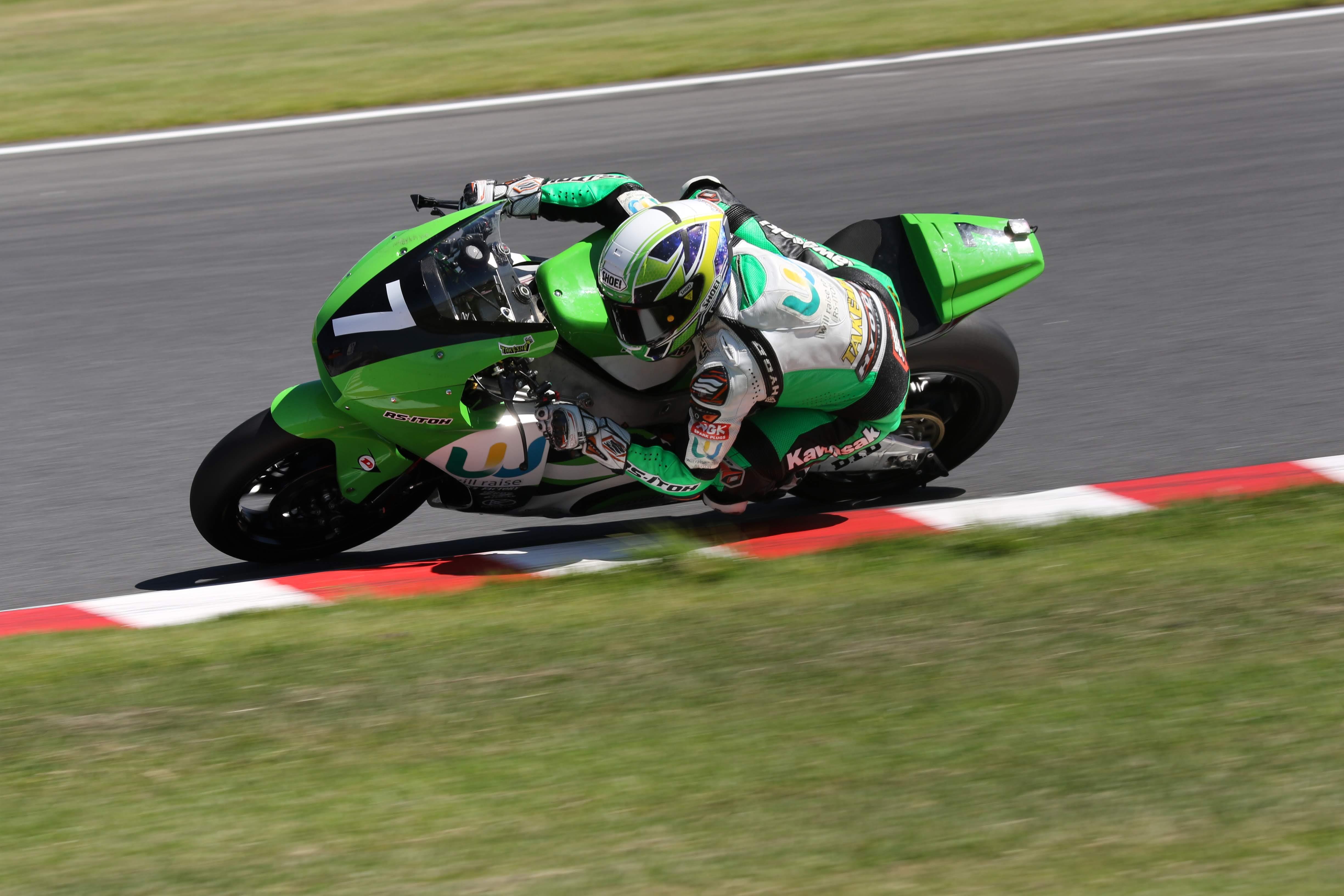 Motorzに全日本ロードレース選手権Rd.5公式予選・決勝レースヒート1の取材記事が公開されました。